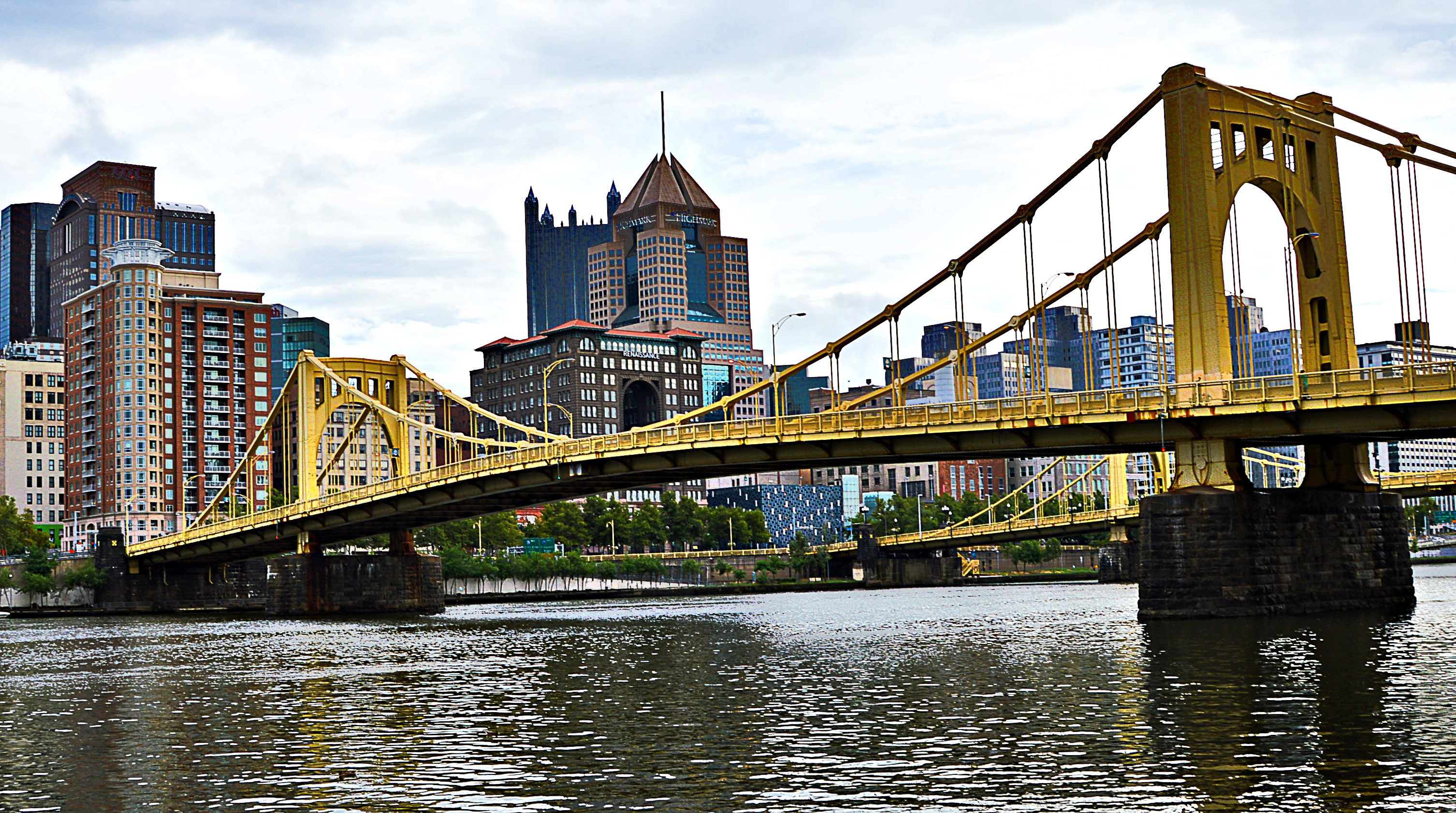 bridge-over-the-river-in-pittsburgh-pennsylvania